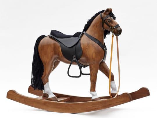 Esclusivo grande cavallo a dondolo di legno massello di colore baio