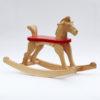 Dřevěný houpací koník přírodní s červeným sedátkem a s ocáskem