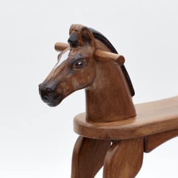 Ručně malovaná hlava koníka hnědáka s držátky pro pohodlné houpání