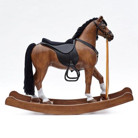 Ladný a elegantní - dřevěný houpací kůň Čenda 53, barevné provedení hnědák