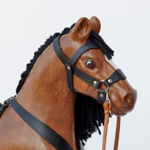 Velký dřevěný houpací kůň Čenda 53 hnědák - detail hlavy