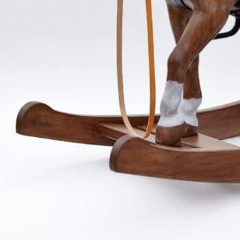 Kopýka, bílé ponožky a detail houpadel Čendy 53 hnědáka