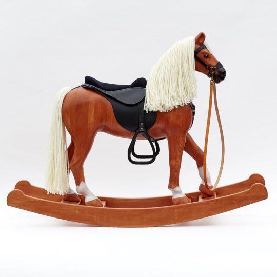 Dřevěný houpací kůň Čenda 53, barevné provedení ryzák