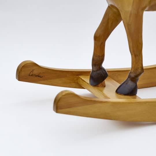 Detail kopýtek houpacího koně Čenda 39 plaváka