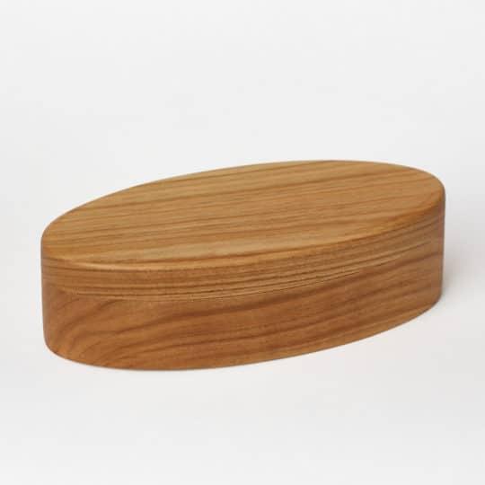 Dřevěná šperkovnice s povrchem leštěným včelým voskem