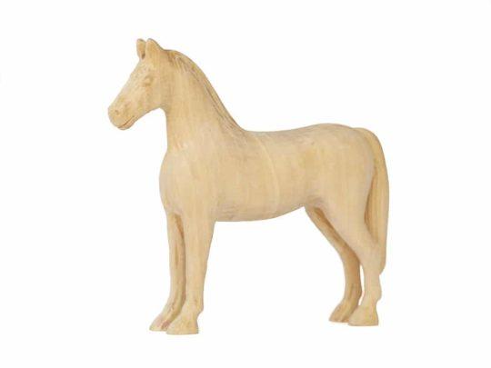 Tvarovaný koník vyrobený z lipového dřeva