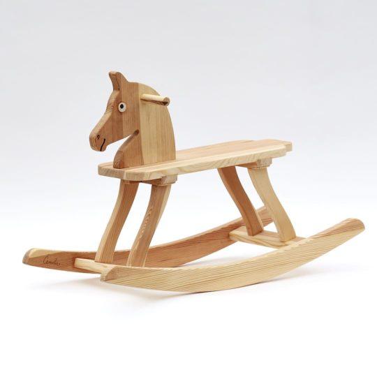 Celodřevěný houpací koník