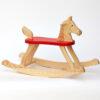 Dřevěný houpací koník pro děti od jednoho roku