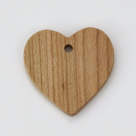 Malé dřevěné srdíčko