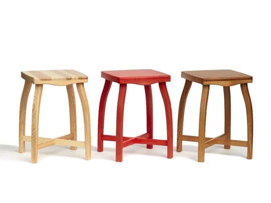 Elegantní stylové stoličky z borového a třešňového dřeva