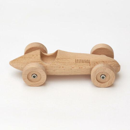 Menší dřevěná zábodnička z bukového dřeva